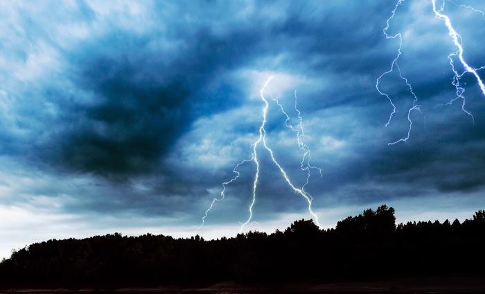 雷のイメージ画像